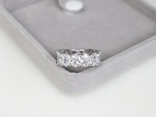 Oval Juliet Ring