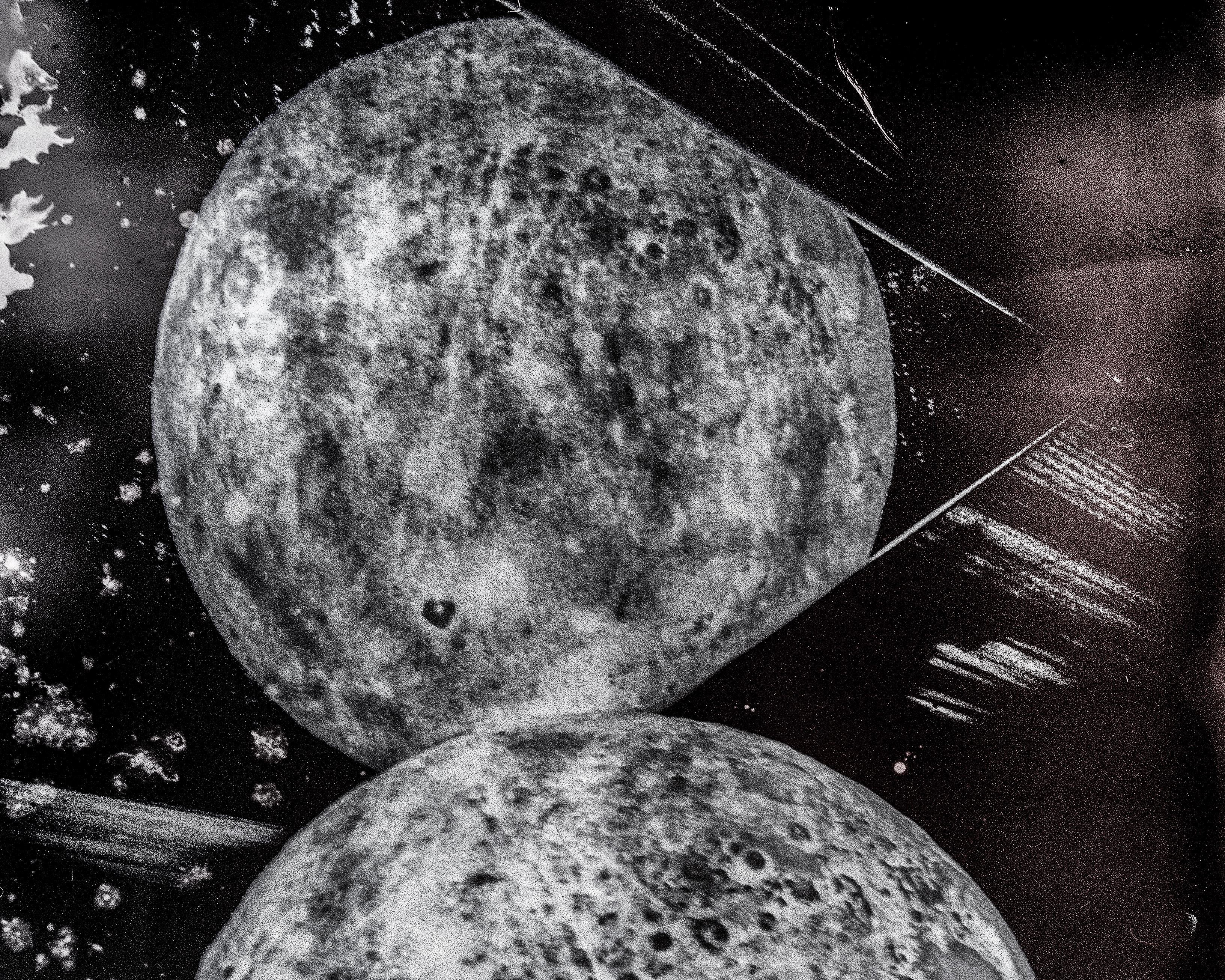 moons_-4