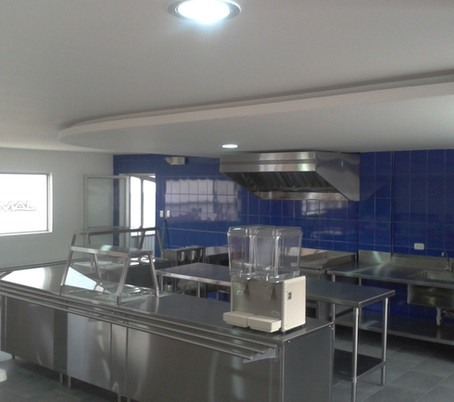 Cocina_de_producción_y_campana_extractor