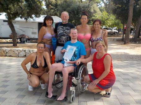 Spolek Alma Mater podporuje postiženého Štěpána