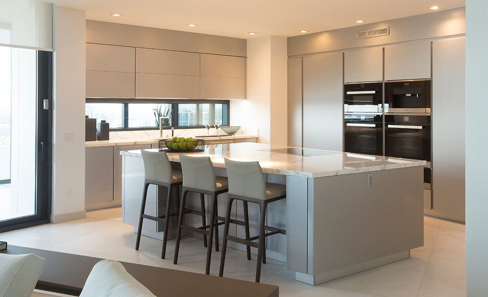 Contemporary Kitchen by Poggepohl