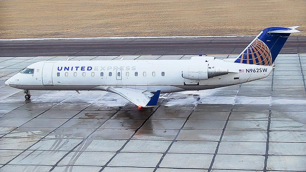 United Operated By SkyWest 3 EDIT.jpg