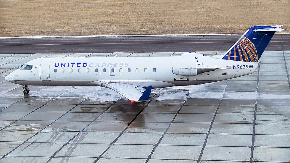 United Operated By SkyWest 3 EDIT.jpg
