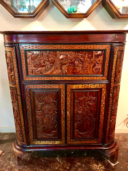 Antique Chinese beautiful Camphor Wood Lacquered Hand Carved Bar Cabinet