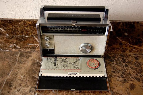 VINTAGE ZENITH TRANS-OCEANIC 9 BAND RADIO ROYAL 3000 WITH CHART MANUAL