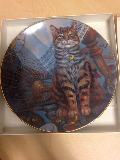 "Cat Tales Collectable Plate by Lowell Davis - ""Flew the Coop"""