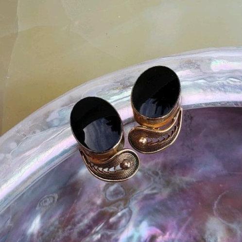 Van Dell 20-12 Kgf Blsck Onyx Screw On Earrings