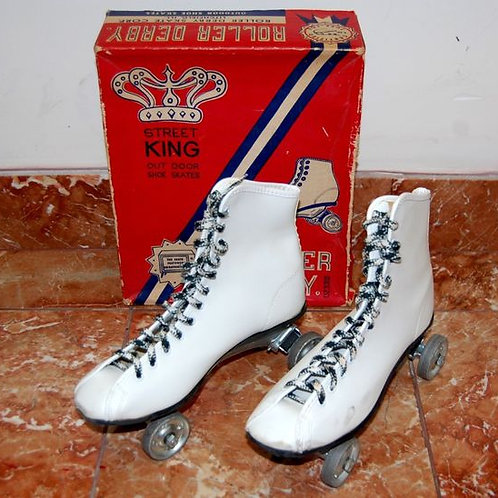 1940's Street King Roller Derby Box and Skates (White size 6)