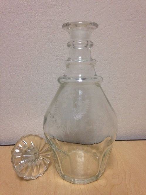 Bicentennial 1776-1976 etched crystal glass decanter