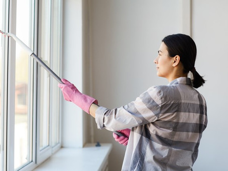Como limpar janelas em lugares altos com segurança