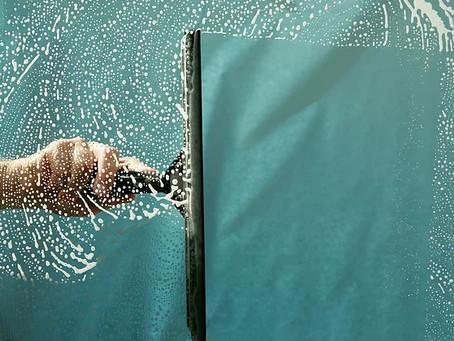 7 Vantagens de Contratar uma Limpeza Profissional de Vidros