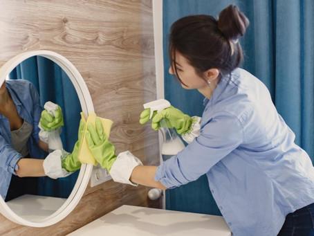Como limpar espelhos sem danificar a superfície?