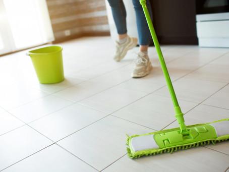 Como limpar piso de cerâmica da forma correta?