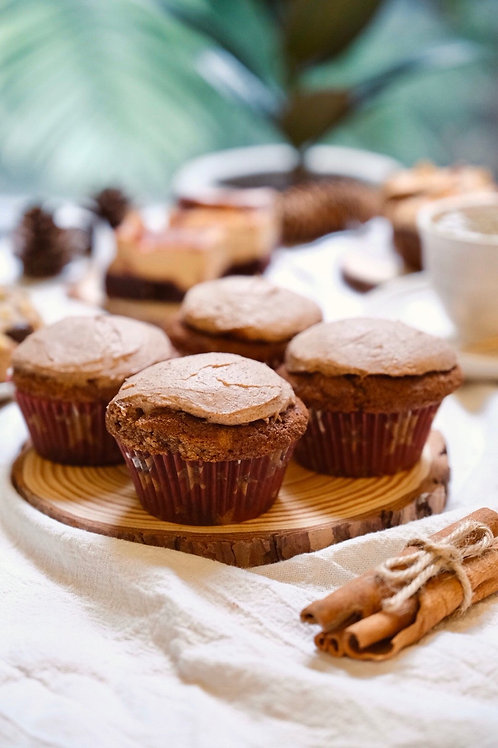 Snickerdoodle cupcakes with cinnamon frosting