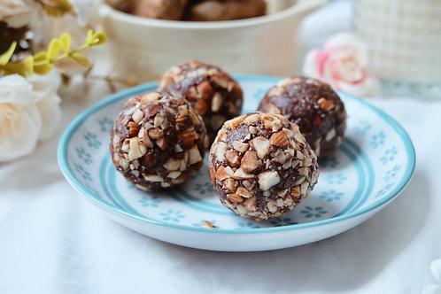 Vegan cacao & peanut butter energy balls