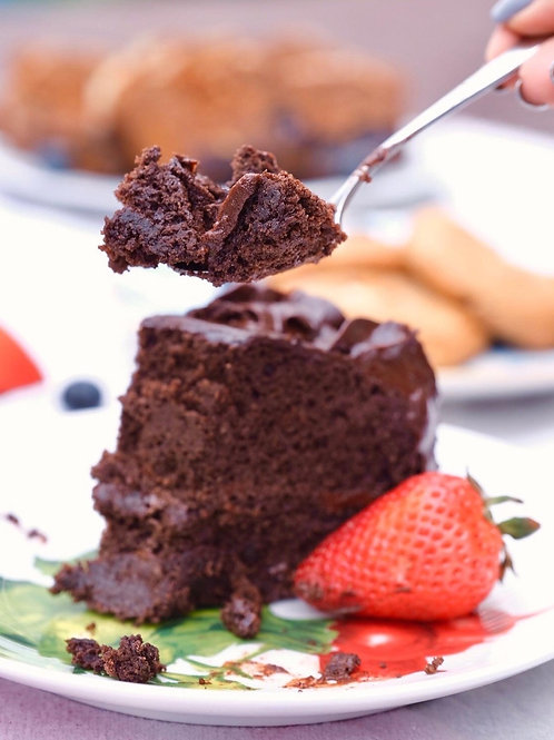 Keto dark chocolate fudge cake