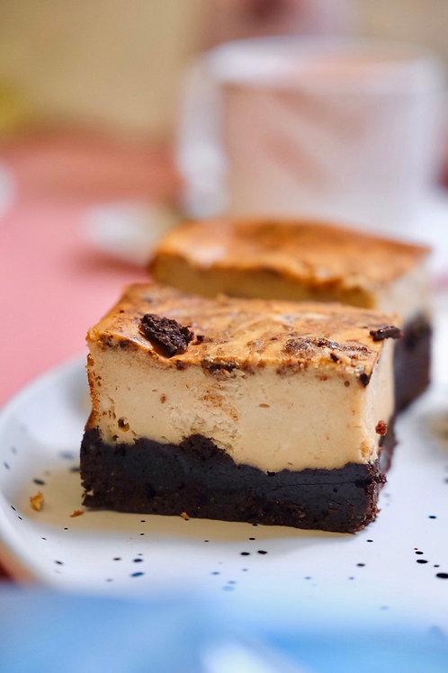 Keto cream cheese fudge brownies