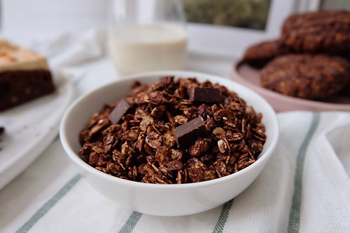 Vegan dark choc & sea salt granola