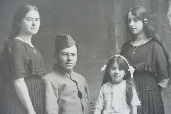 7 Fourt 4 enfants 1915.JPG