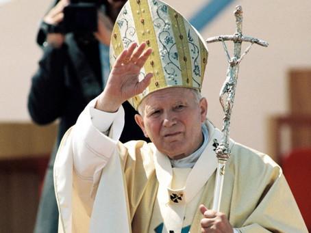Bratislava udelila čestné občianstvo Jánovi Pavlovi II.
