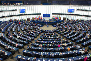 Európsky parlament rokuje o posilnení mandátu Jána Figeľa