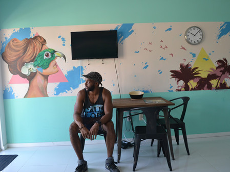 Nate Dee Creates a Mural For CorporateStays Miami Beach