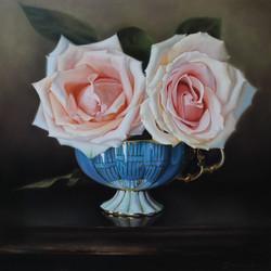 2568-Blue_tea_cup_and_roses_for_Judi,_Huile_sur_bois_d'érable,_20x20_po.
