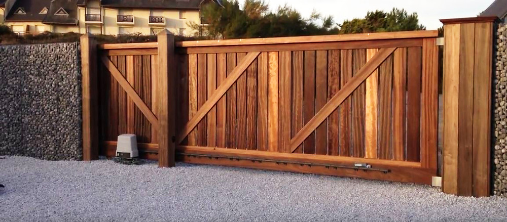 pic showing wooden electric gates