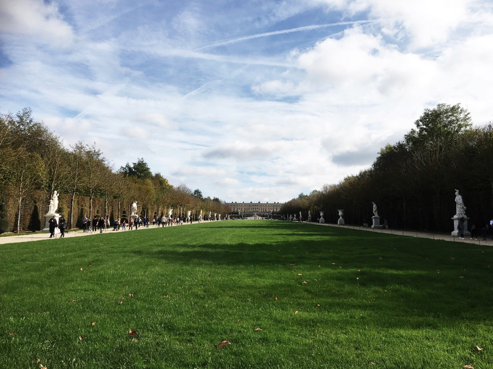 Beauty, Wealth and Elegance - How to Explore Versailles