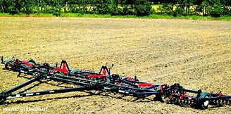 img-Bourgault-Harrows-Packers-4100-Wing.