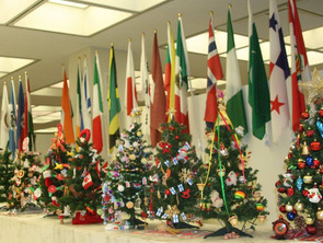 Belarusian Christmas tree in Chicago city Hall