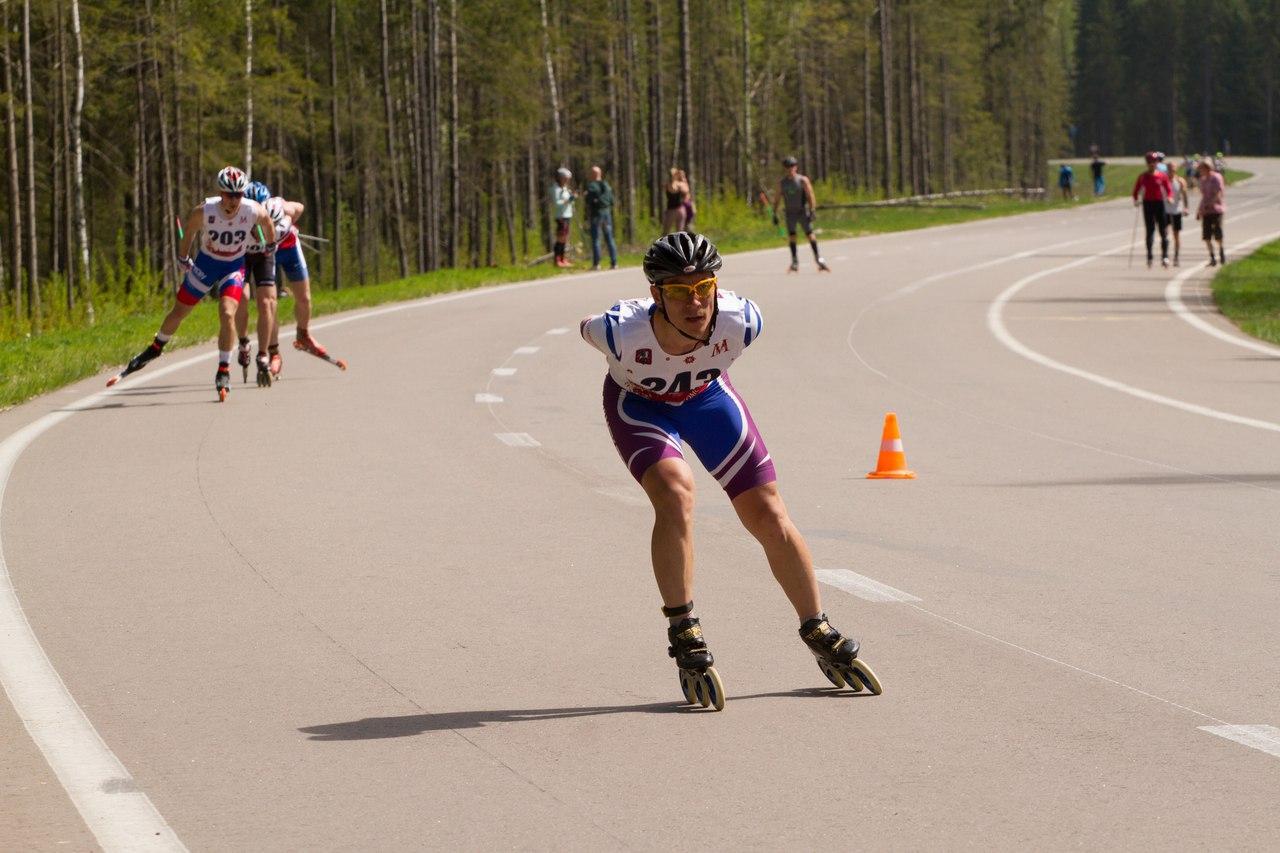 Одна из гонок с лыжниками