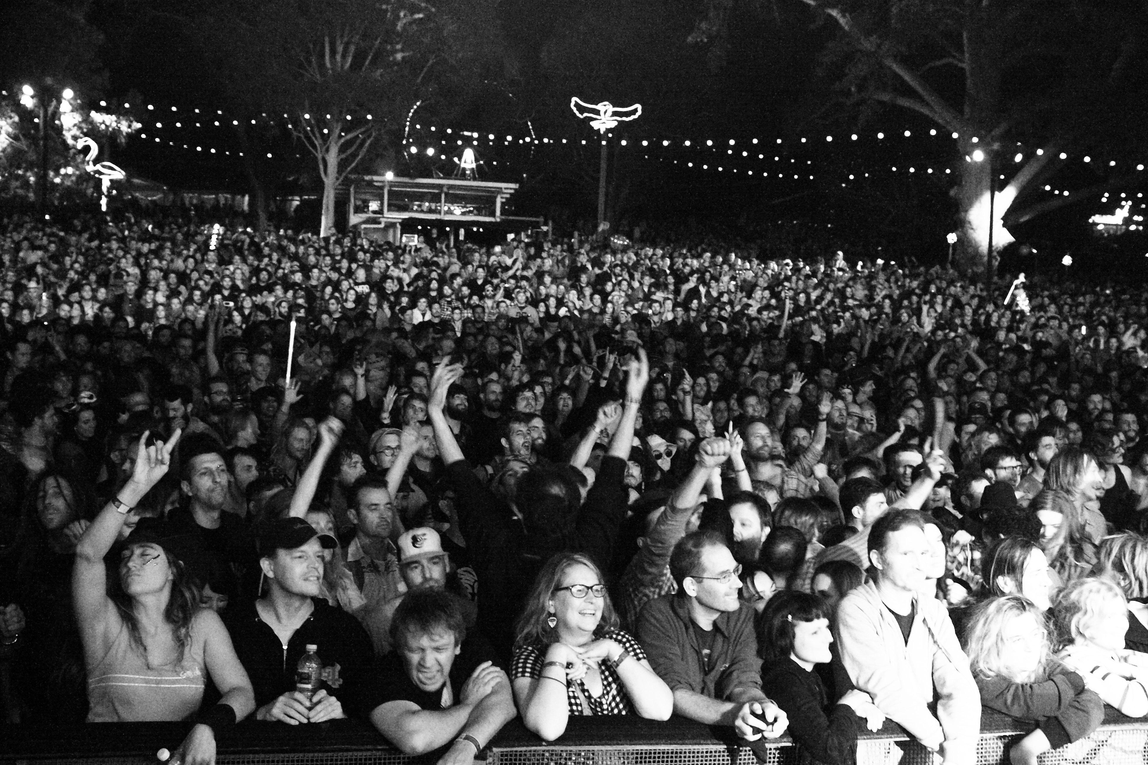 IMG_6526-crowd.JPG