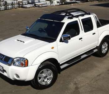 Nissan Hardbody Dual Cab