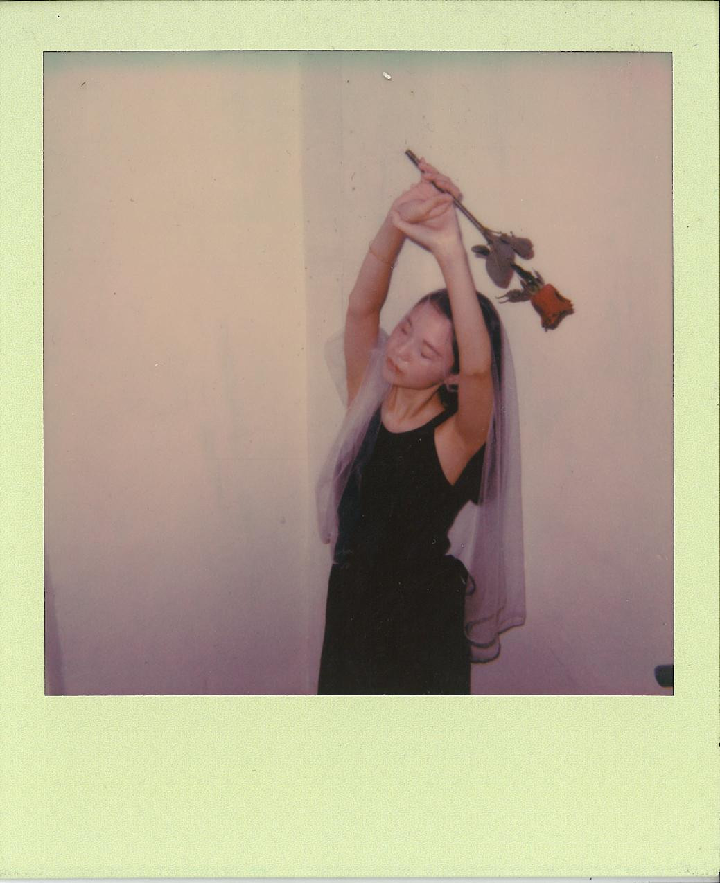 GRACE - POLAROID 600