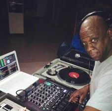 DJ (World Famous Supreme)