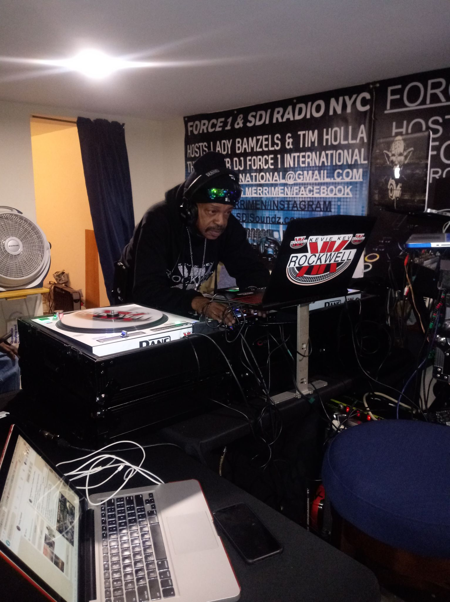 Rocking the 1s and 2s @ SDI Radio NYC, DJ  Kevie Kev