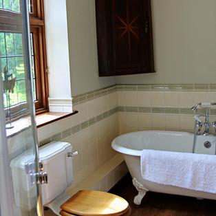 Classic Bathroom 2