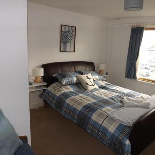 Kings size bedroom