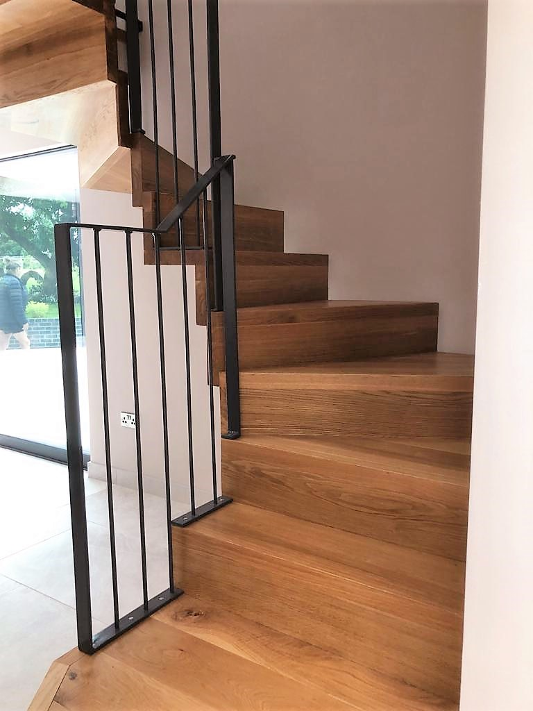 Contemporary Oak ZigZag Staircase