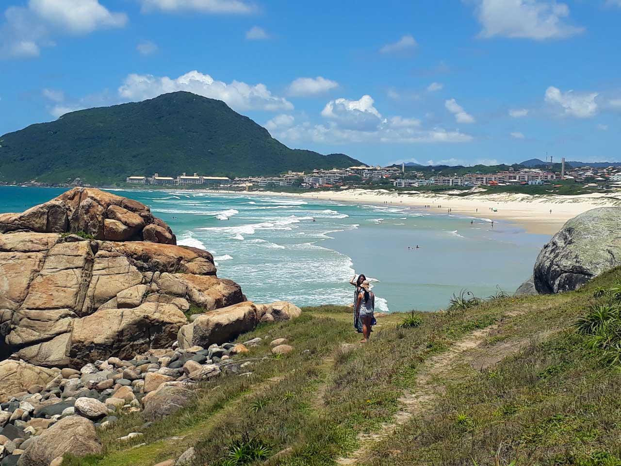 trilha-praiadosantinho
