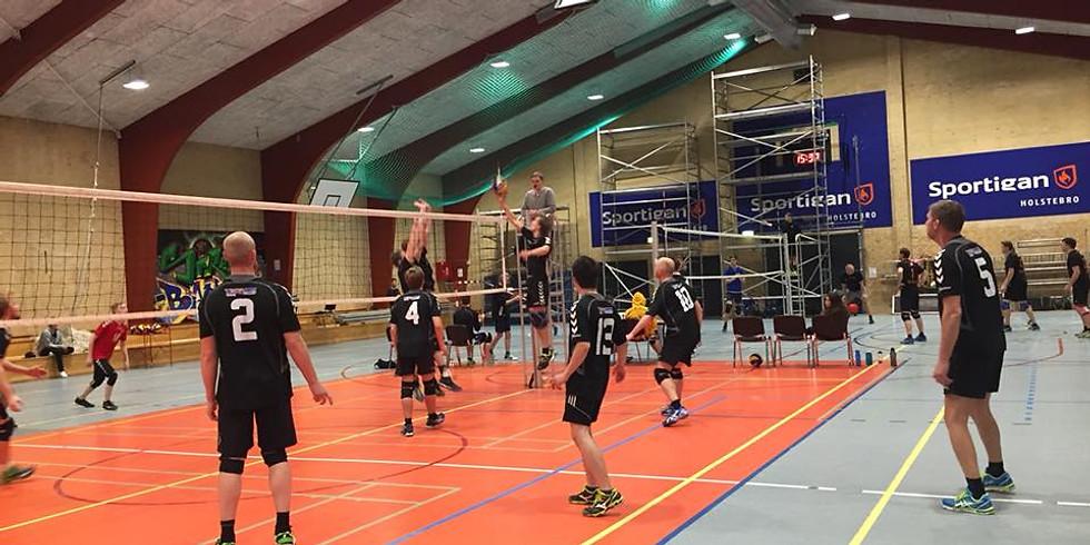 Volleyball i Risskov Skoles Sportshal