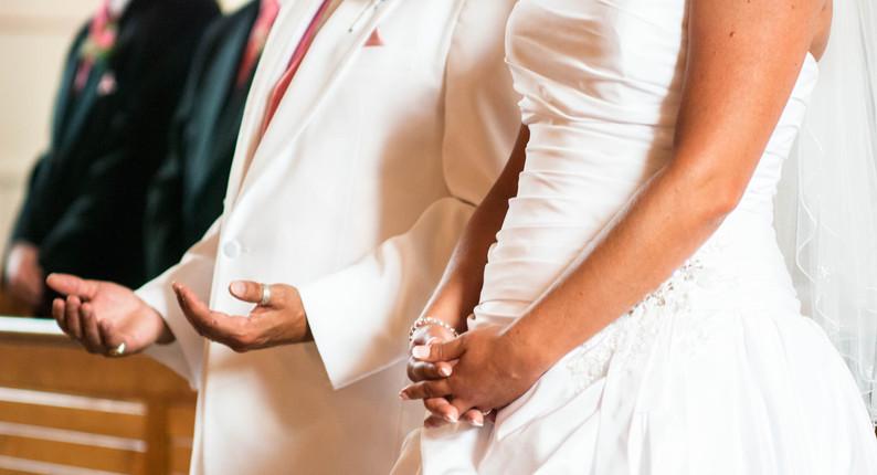 Praying Wedding