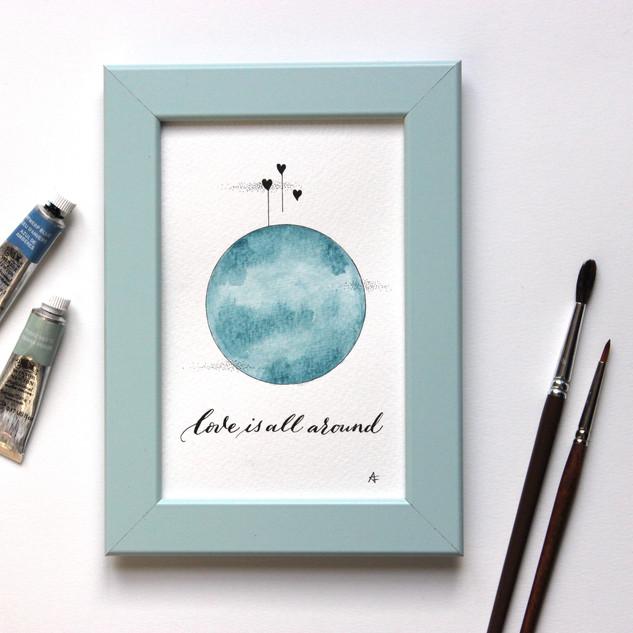 Affichette Love is all around bleu poème