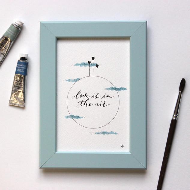 Affichette Love is in the air bleu poème