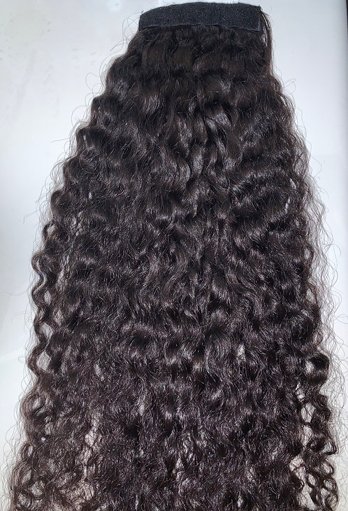 Tight Curl Ponytail