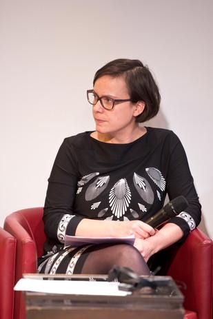 Opening conference: Moderator Margarida Ferra.