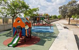 Mantenimiento y limpieza parques infantiles de Marratxí