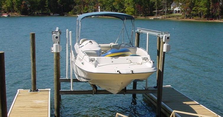 Boatlift in Slip - Zoomed.JPG