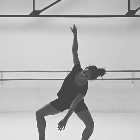 Contemporary/ Modern Dance Class